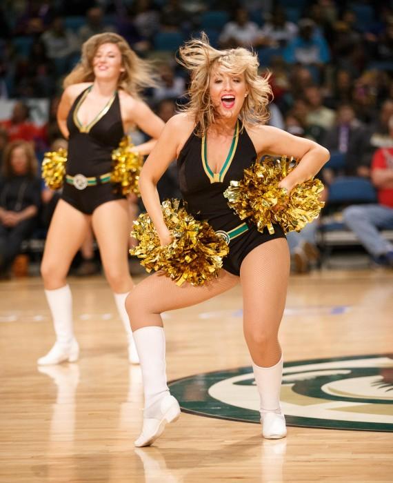 Lady Bighorn Dancer Amanda