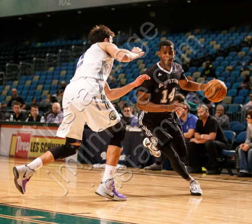 Austin Spurs Forward JULIAN WASHBURN (14)
