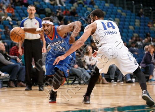 Oklahoma City Blue Guard MARQUIS TEAGUE (10)