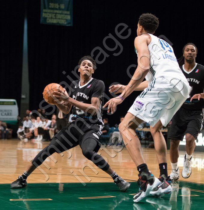 Austin Spurs Guard DEJOUNTE MURRAY (5)