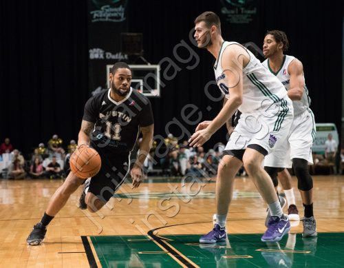 Austin Spurs Guard DEMETRI MCCAMEY (11)