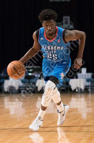 Oklahoma City Blue Guard DANIEL HAMILTON (25)